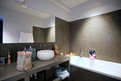 Photos sur le th me baignoire grande taille for Petit carreaux salle de bain