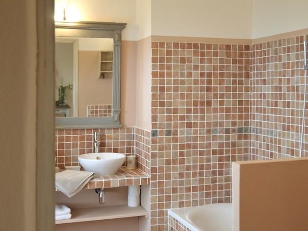 D coration ferme de cabassude villa medicis salle de for Salle de bain ouverte sur chambre
