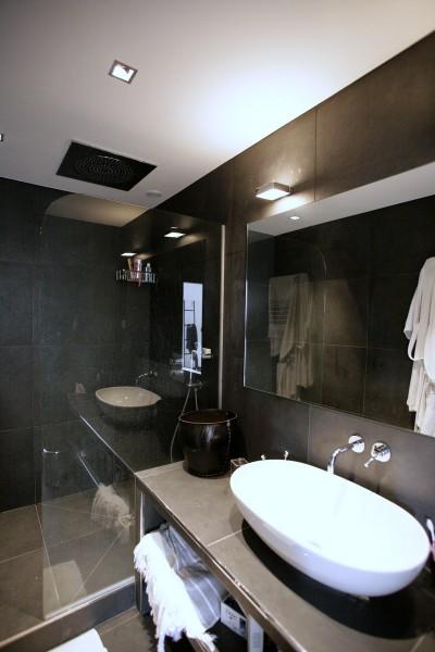 R novation appartement style loft ouest home for Salle de bain moderne avec douche italienne