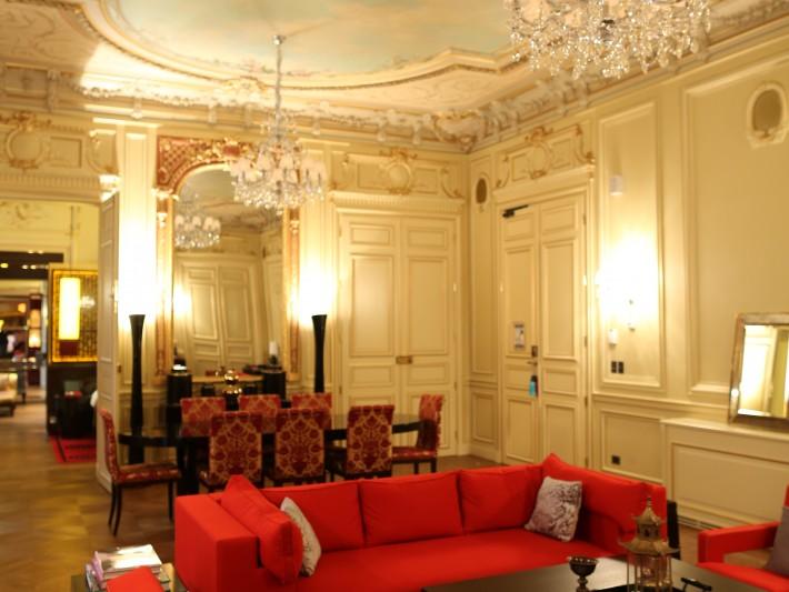 Salle de réception de l'hôtel Buddha Paris