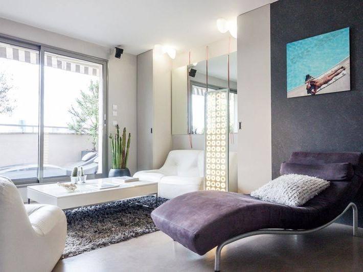 d coration appartement moderne r novation parisienne salon avec coin d tente id. Black Bedroom Furniture Sets. Home Design Ideas