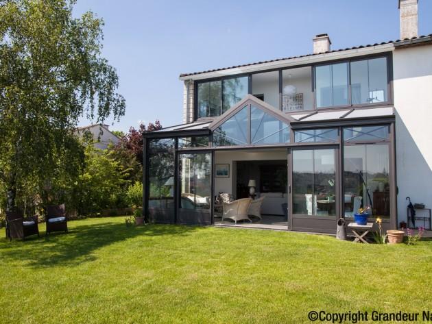 Assez Veranda piece a vivre - Grandeur Nature - Salon dans veranda  DX68