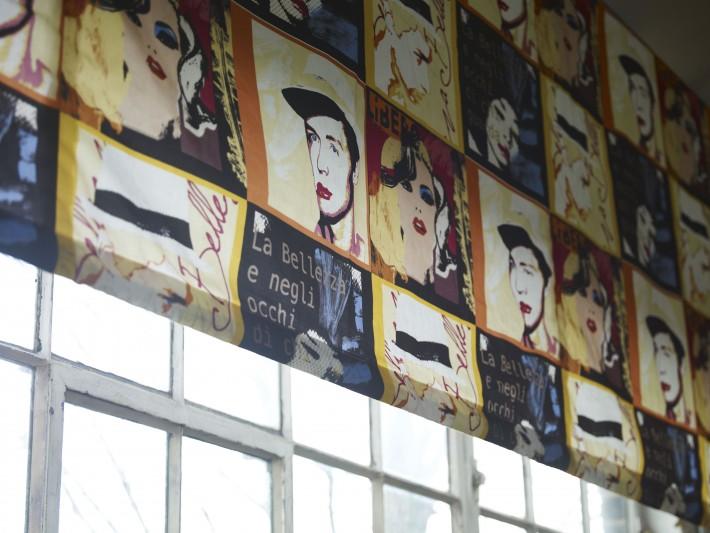 Store enrouleur avec portraits