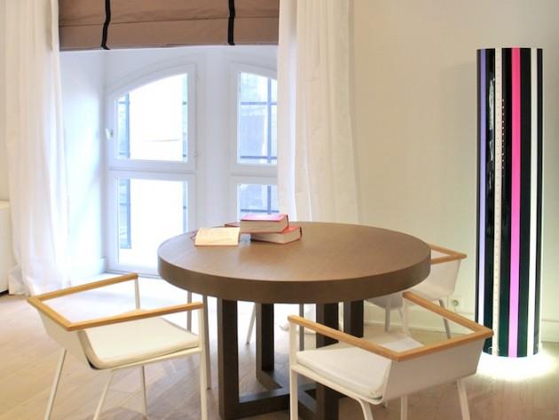 bureau d 39 avocat villa medicis table de bureau ronde pour les r unions et lampadaire. Black Bedroom Furniture Sets. Home Design Ideas