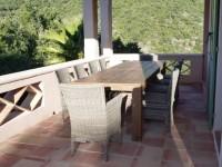 Table de jardin en bois massif