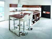 Table en bois assortie avec rangements et plan de travail