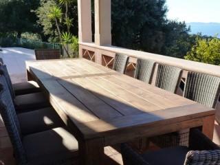 Table en bois de jardin