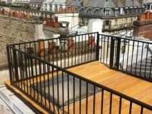 Terrasse avec plancher en bois