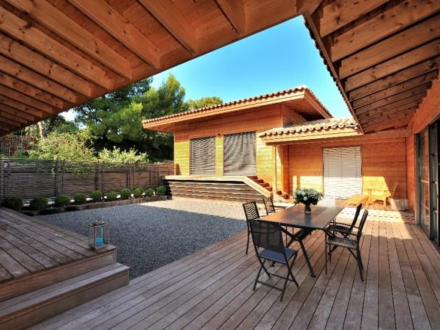 Terrasse en bois - Un patio ombragé