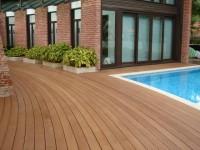 Terrasse piscine extérieure