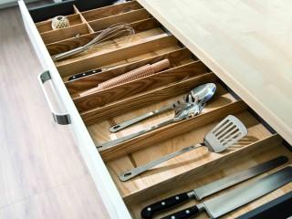 Tiroir de rangement pour accessoire de cuisine avec intérieur en bois
