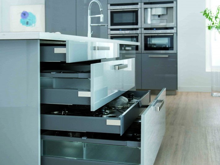 cuisine strass cloud schmidt tiroirs de rangement pratique et design id. Black Bedroom Furniture Sets. Home Design Ideas