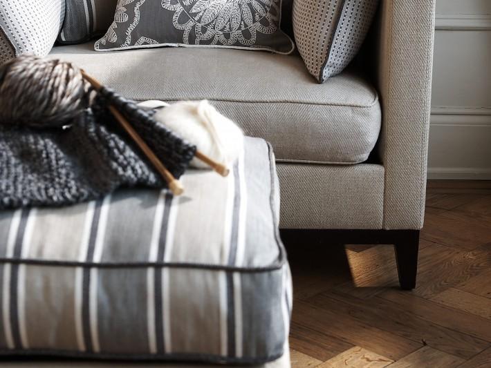 textiles clover prestigious textiles tissu d 39 ameublement pour canap et pouf repose pieds. Black Bedroom Furniture Sets. Home Design Ideas