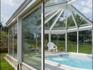 organiser le bassin d 39 une piscine naturelle ext rieur id. Black Bedroom Furniture Sets. Home Design Ideas