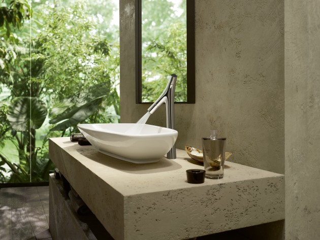 Vasque blanche avec robinetterie design