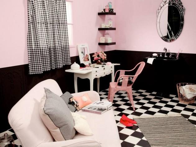 salle de bain de fille marion alberge vue de la coiffeuse rideaux vichy noir et canap rose. Black Bedroom Furniture Sets. Home Design Ideas