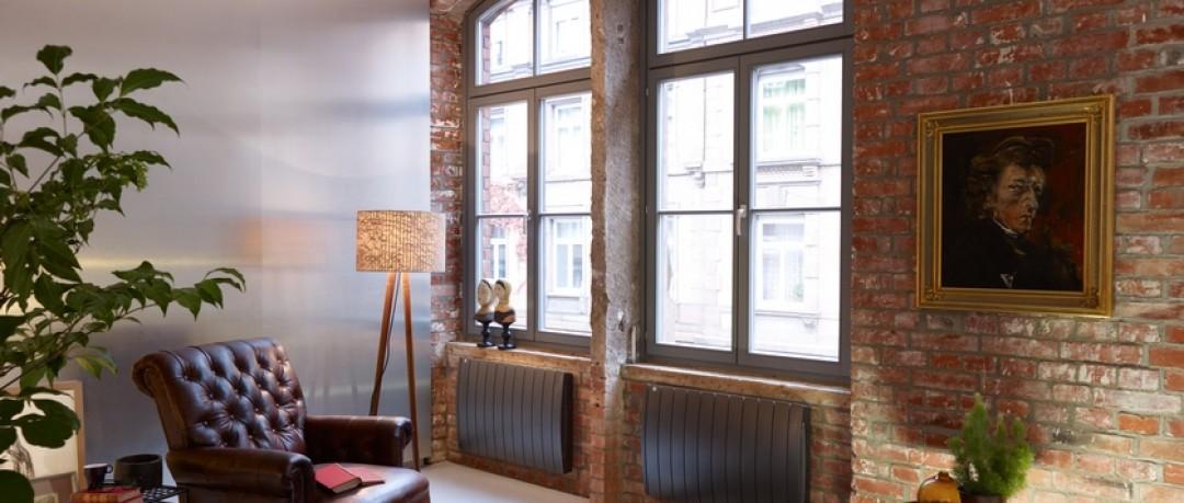 salon avec mur en brique