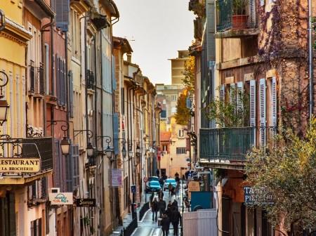 Marché de l'immobilier à Aix-en-Provence: pourquoi passer par un chasseur d'appartement ?