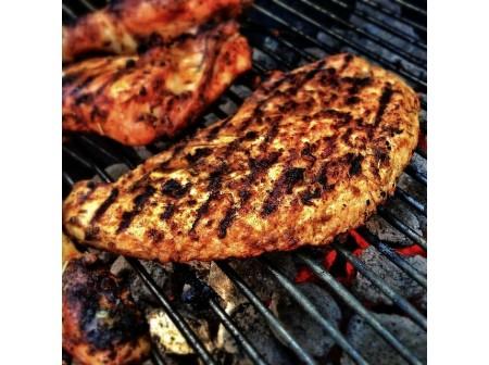 Pourquoi opter pour un barbecue charbon pour l'été ?