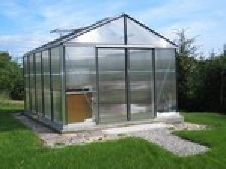 am nager une serre de jardin ext rieur id. Black Bedroom Furniture Sets. Home Design Ideas