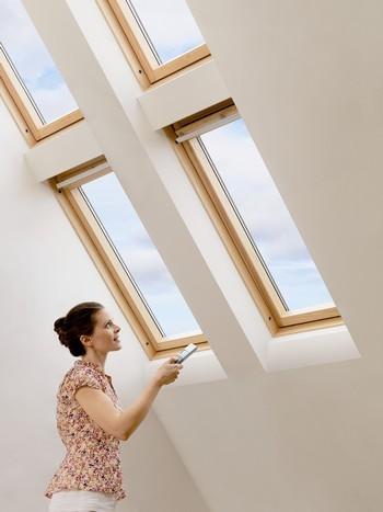 Fen tre de toit velux le choix de la qualit et du prix for Fenetre velux prix